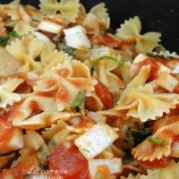 One pot pasta - farfalles crémeuses au poulet et à la tomate
